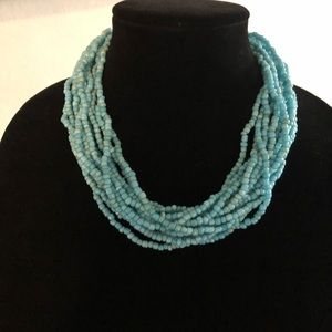 Jewelry - Beautiful turquoise colored necklace